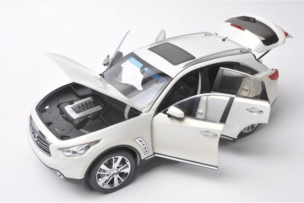 Коллекционная модель INFINITI QX70 (FX50) 2018 WHITE