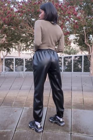 Черные кожаные штаны женские недорого