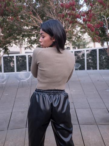 Черные кожаные штаны женские оптом