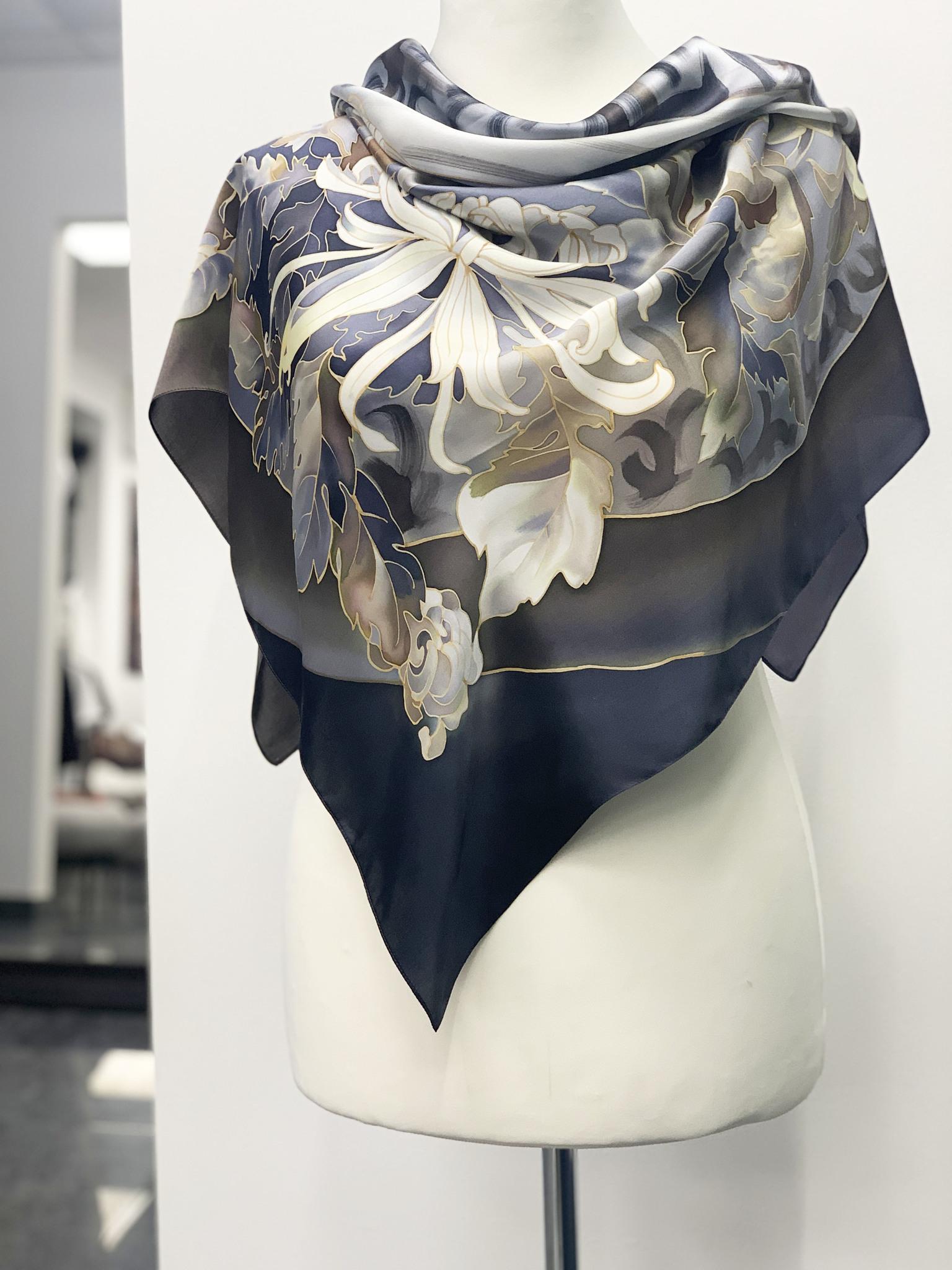 Шелковый платок батик Хризантема
