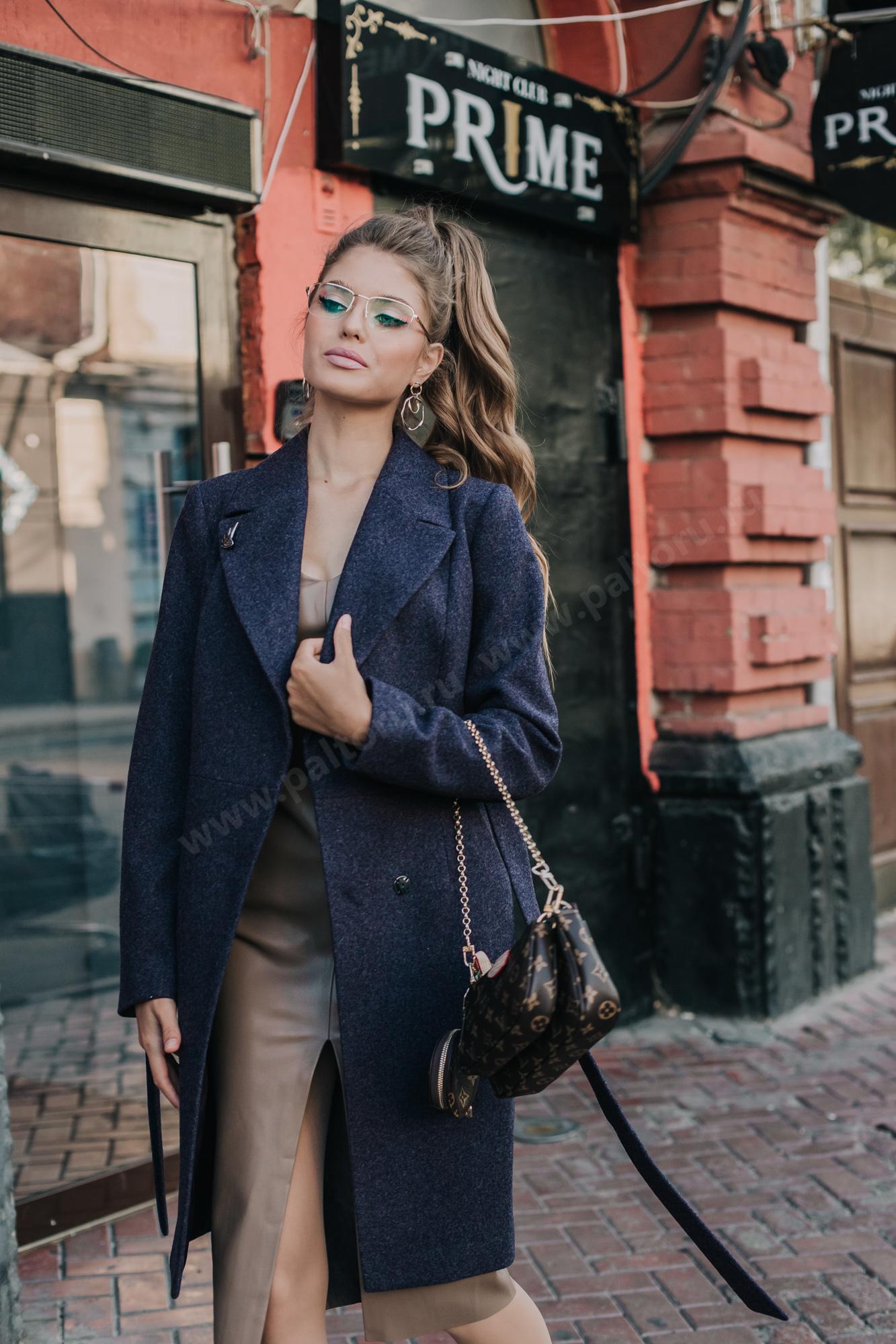 Приталенное женское пальто