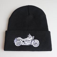 Вязаная шапка с отворотом и вышивкой Motorcycle/ Мотоцикл (серебро), черная