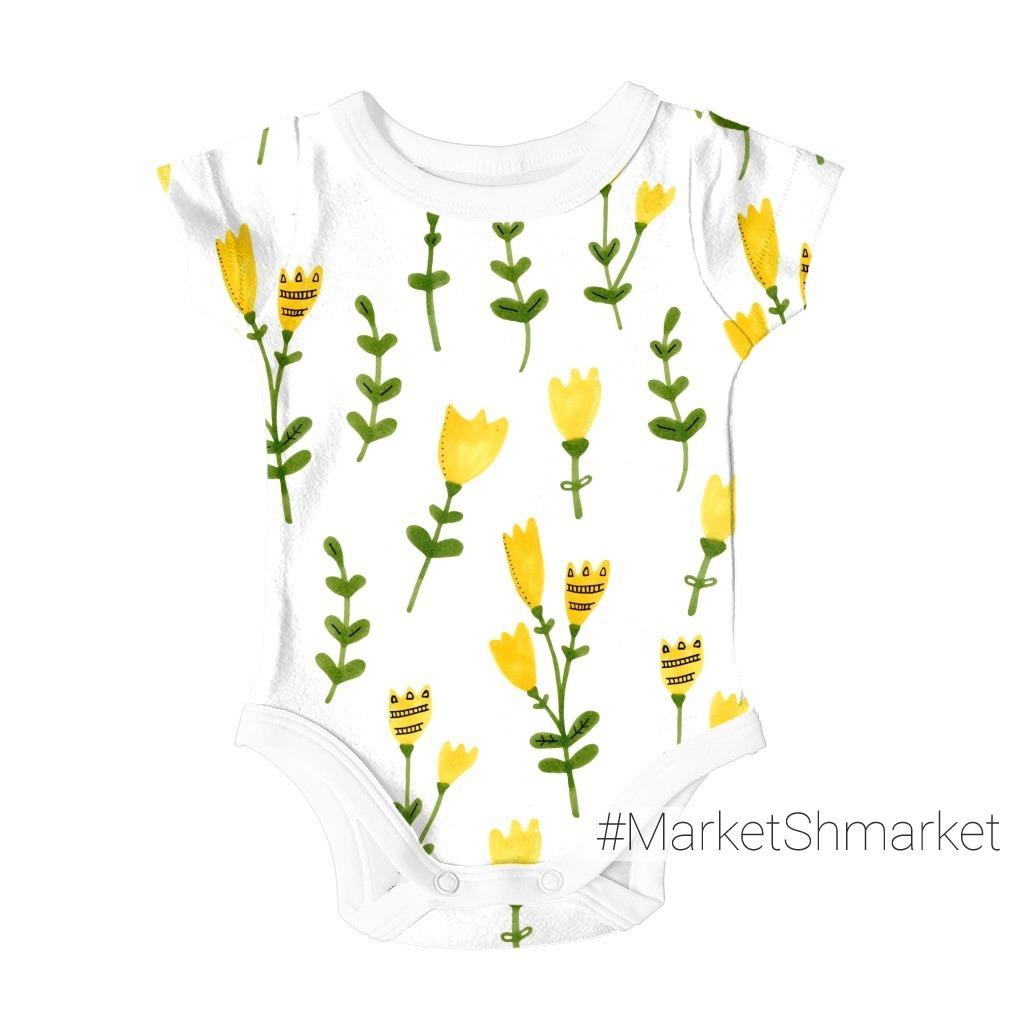 Желтые цветы на лугу