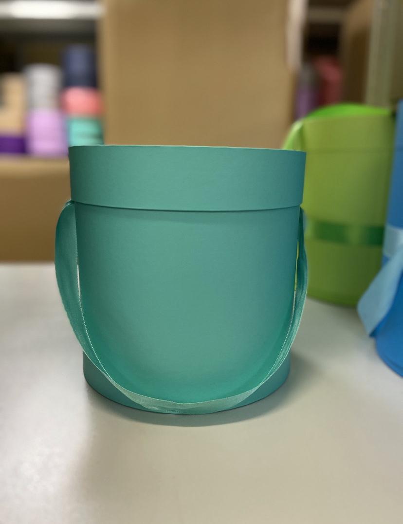 Шляпная коробка эконом вариант 22,5 см Цвет:Тиффани. Розница 400 рублей .