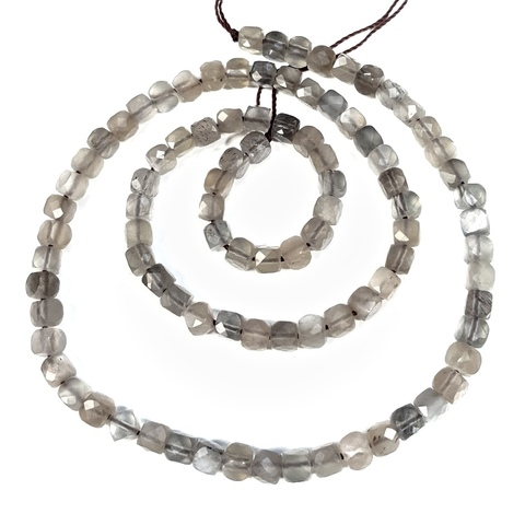 Бусина светло-серый лунный камень А кубик граненый 4,2 мм 6 бусин