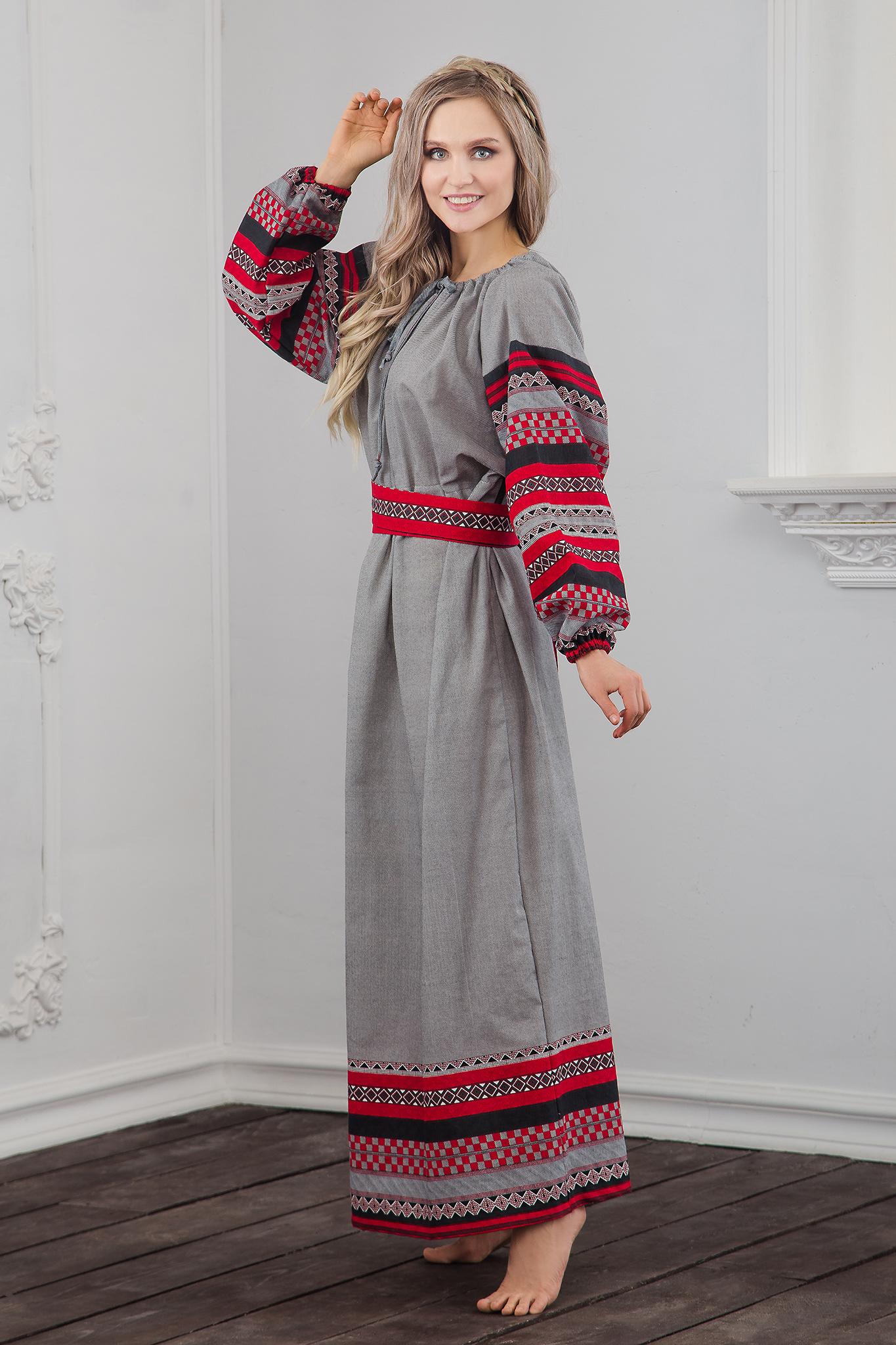 Традиционное платье Чалдоны вид сбоку
