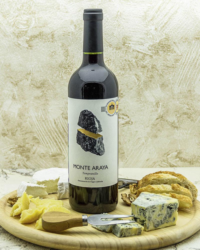 Вино Bodegas Del Medievo Монте Арайя Темпранильо Красное Сухое 2018 г.у. 13% 0,75 л.