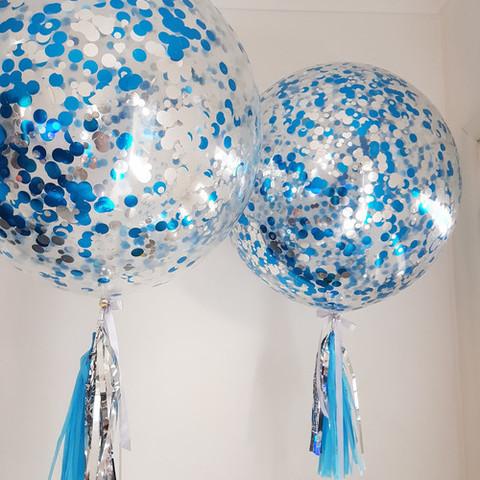 Шар Гигант с сине-серебряным конфетти + тассел