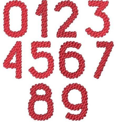 Цифра из маленьких воздушных шаров