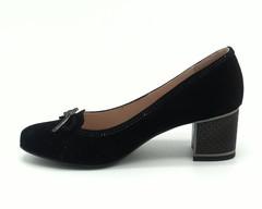 Черные туфли из натурального велюра