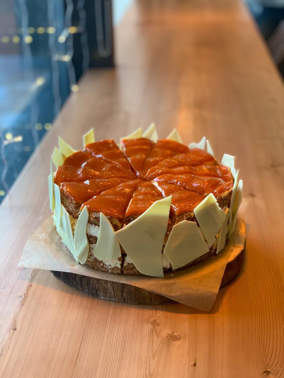 Торт миндальный с облепихой