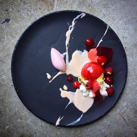 Фарфоровое круглое блюдо 32 см, черное, артикул 641010, серия Basalt