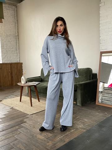 Уютные брюки  из трикотажа с ангорой - дополнение к джемперу