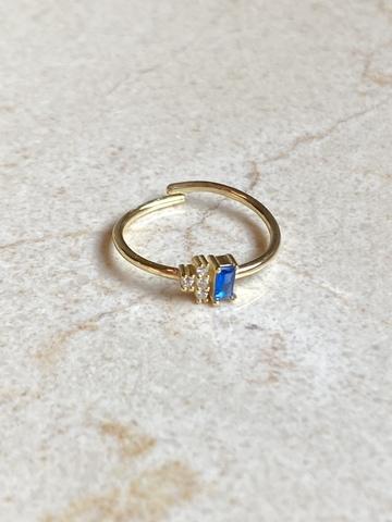 Кольцо Лайт из позолоченного серебра с голубым цирконом