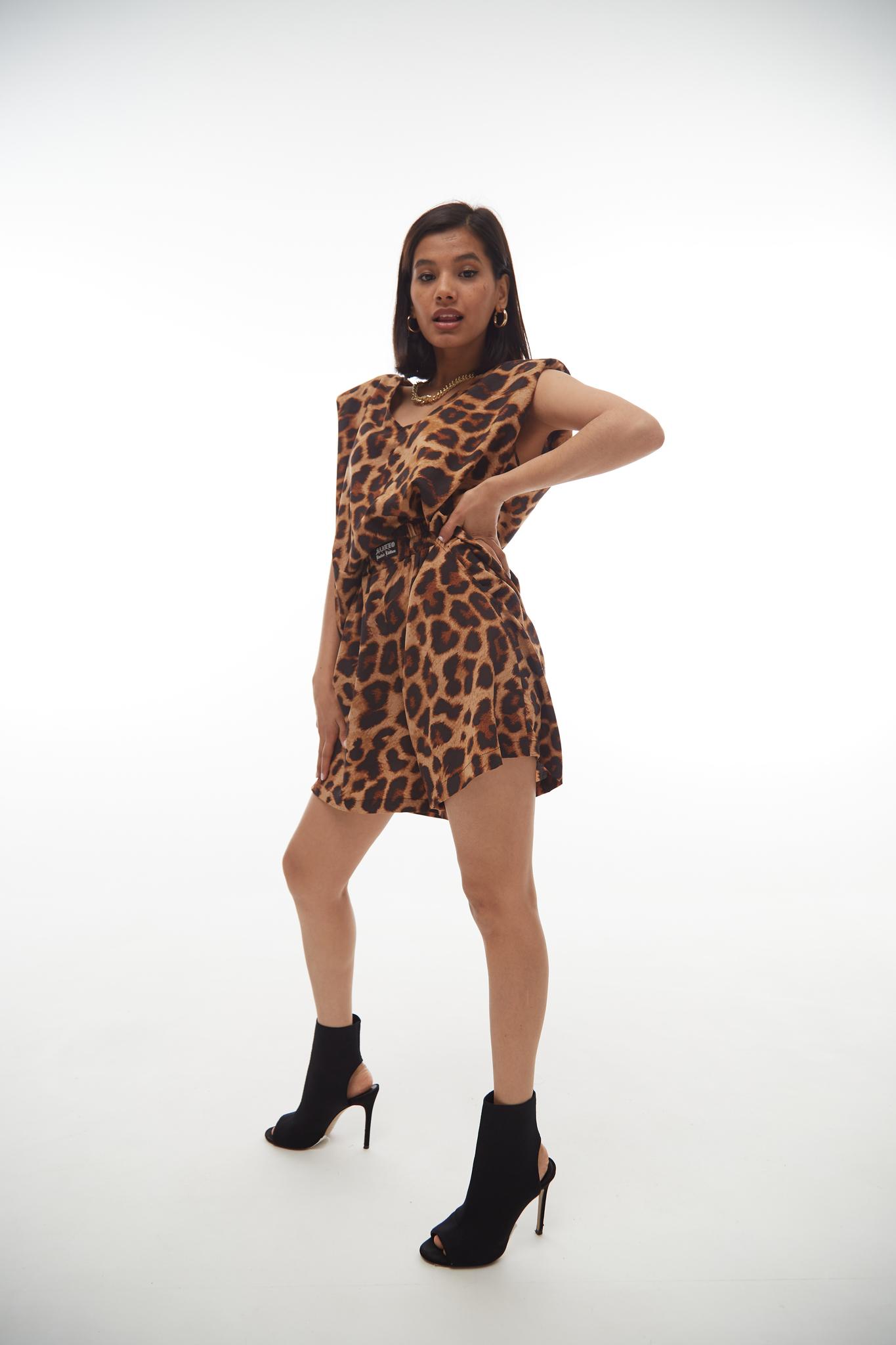 Комплект топ и шорты leopard