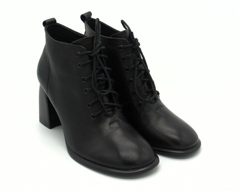 Черные кожаные ботильоны на трапецевидном каблуке