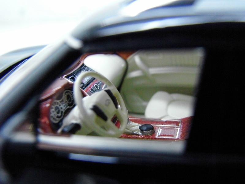 Коллекционная модель Infiniti QX56 2011