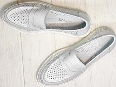 Белые кроссовки женские - туфли с перфорацией Derem 372-17 All White.