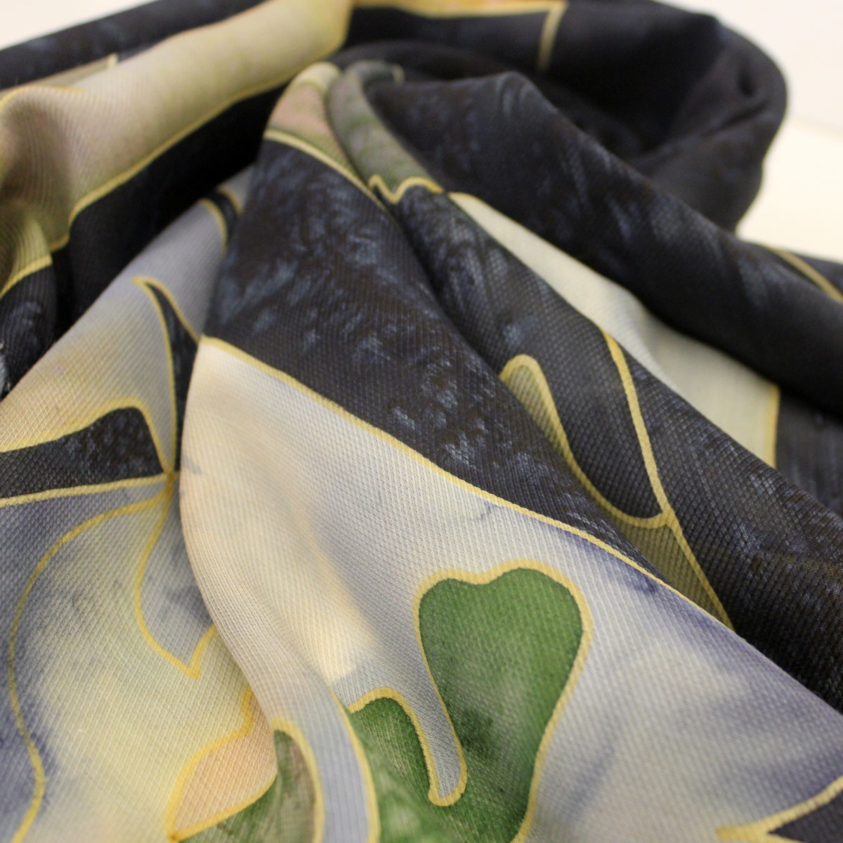 Шерстяной платок батик Черный квадрат С-77-sh
