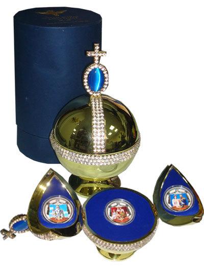 """Набор 2 доллара Фиджи """"Царская семья. Николай II"""". (3 монеты) в футляре под Державу"""