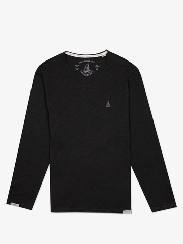 Long-sleeved V-neck black t-shirt