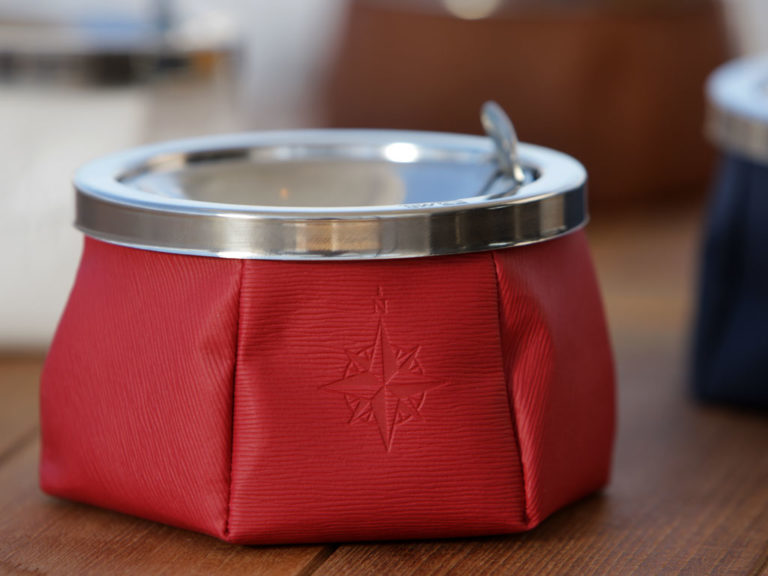 ASHTRAY WITH LID – RED, WINDPROOF