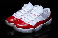 Air Jordan 11 Low 'Varsity Red'