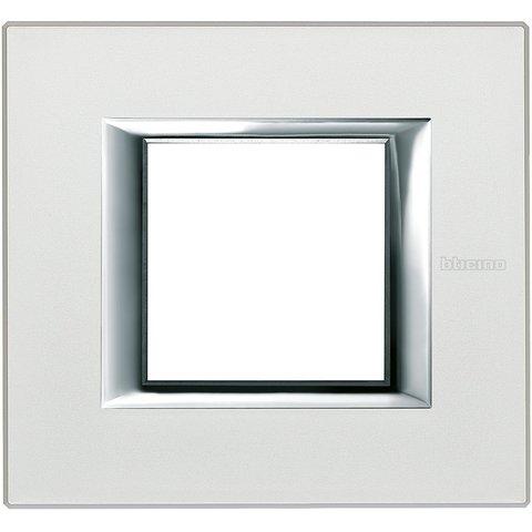Рамка 1 пост, прямоугольная форма. АНОДИРОВАННЫЕ. Цвет Жемчужное серебро. Немецкий/Итальянский стандарт, 2 модуля. Bticino AXOLUTE. HA4802SAN