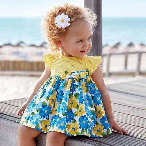 Платье Mayoral желтое с голубыми цветами