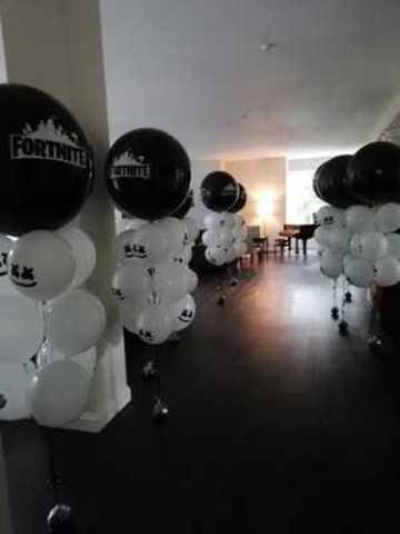 Фонтан из воздушных шаров Фортнайт