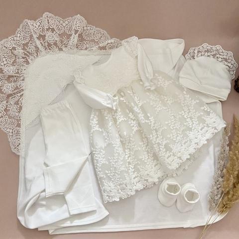 Нарядный набор на крестины девочке Тина молочный