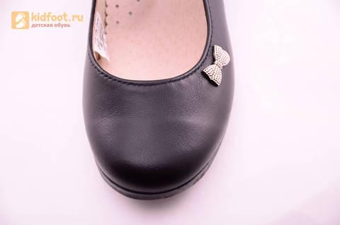 Туфли для девочек из натуральной кожи на липучке Лель (LEL), цвет черный. Изображение 17 из 18.