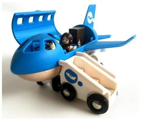 BRIO Самолётик с трапом
