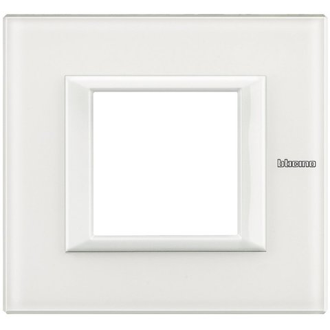 Рамка 1 пост, прямоугольная форма. СТЕКЛО. Цвет Белое стекло. Немецкий/Итальянский стандарт, 2 модуля. Bticino AXOLUTE. HA4802VBB
