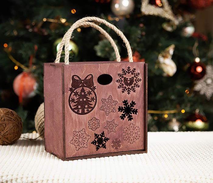 BOX202-3 Большая подарочная коробка фиолетового цвета (17*17*10 см)