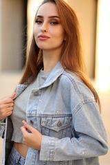 Светло-голубая джинсовая куртка купить
