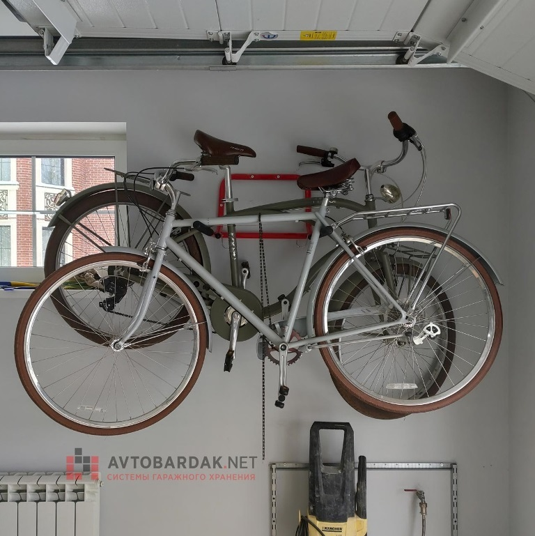 Тот же универсальный кронштейн до 40 кг с 2 велосипедами