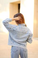 Светло-голубая джинсовая куртка недорого