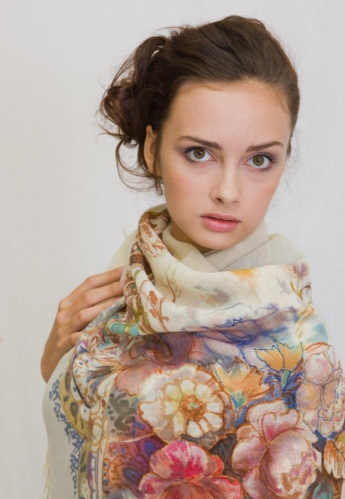 Шерстяной платок батик Голландские цветы С-77-sh