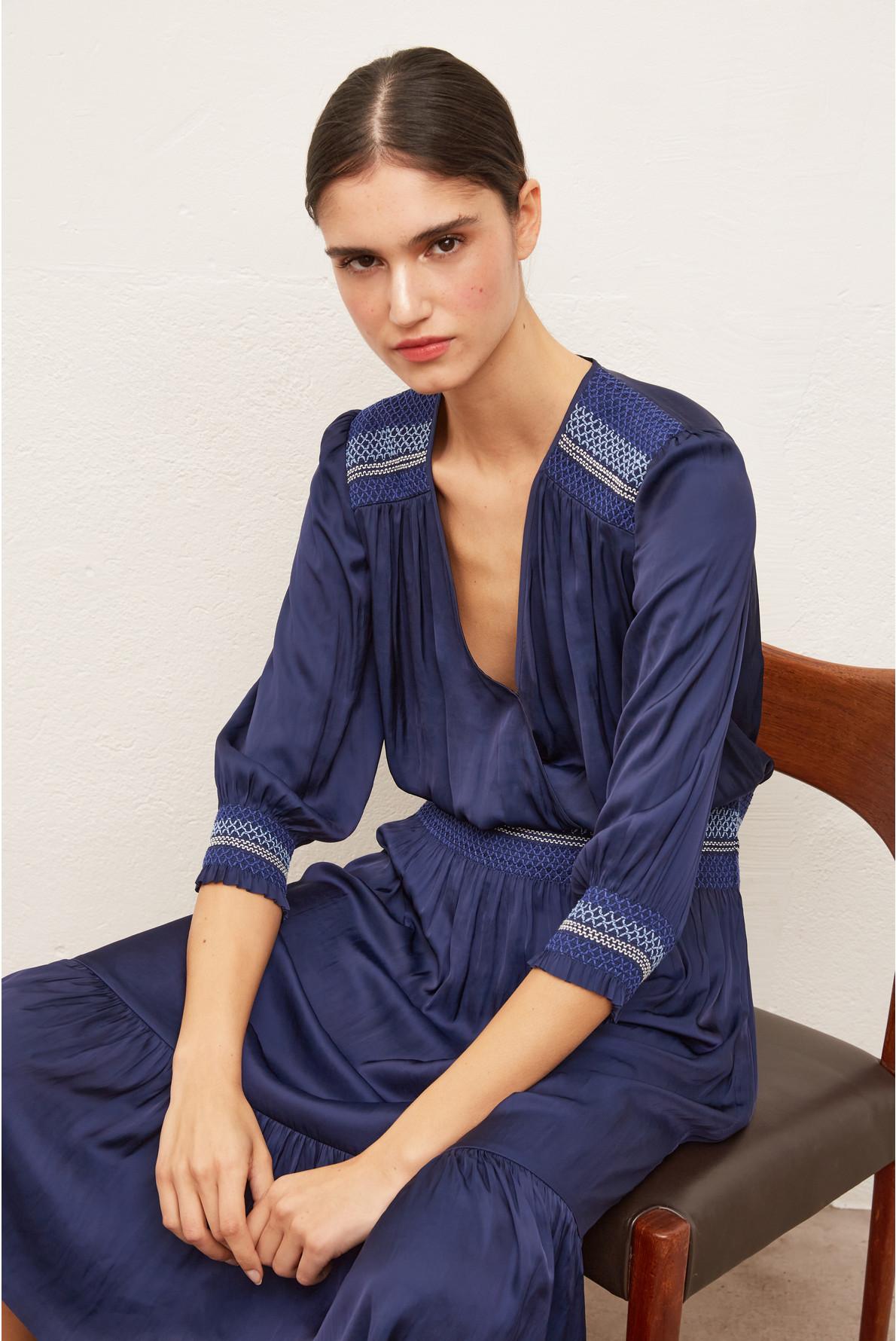 SIMONE - Длинное платье из гладкого полиэстера с вышивкой