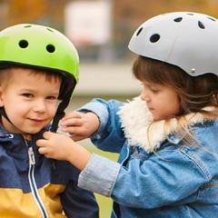 Шлем защитный детский Kinderkraft Safety Grey с наклейками