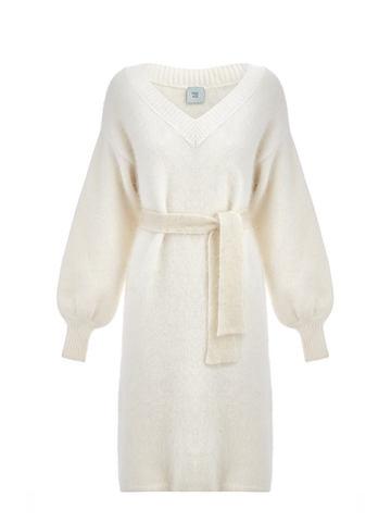 Женское платье белого цвета из ангоры - фото 5