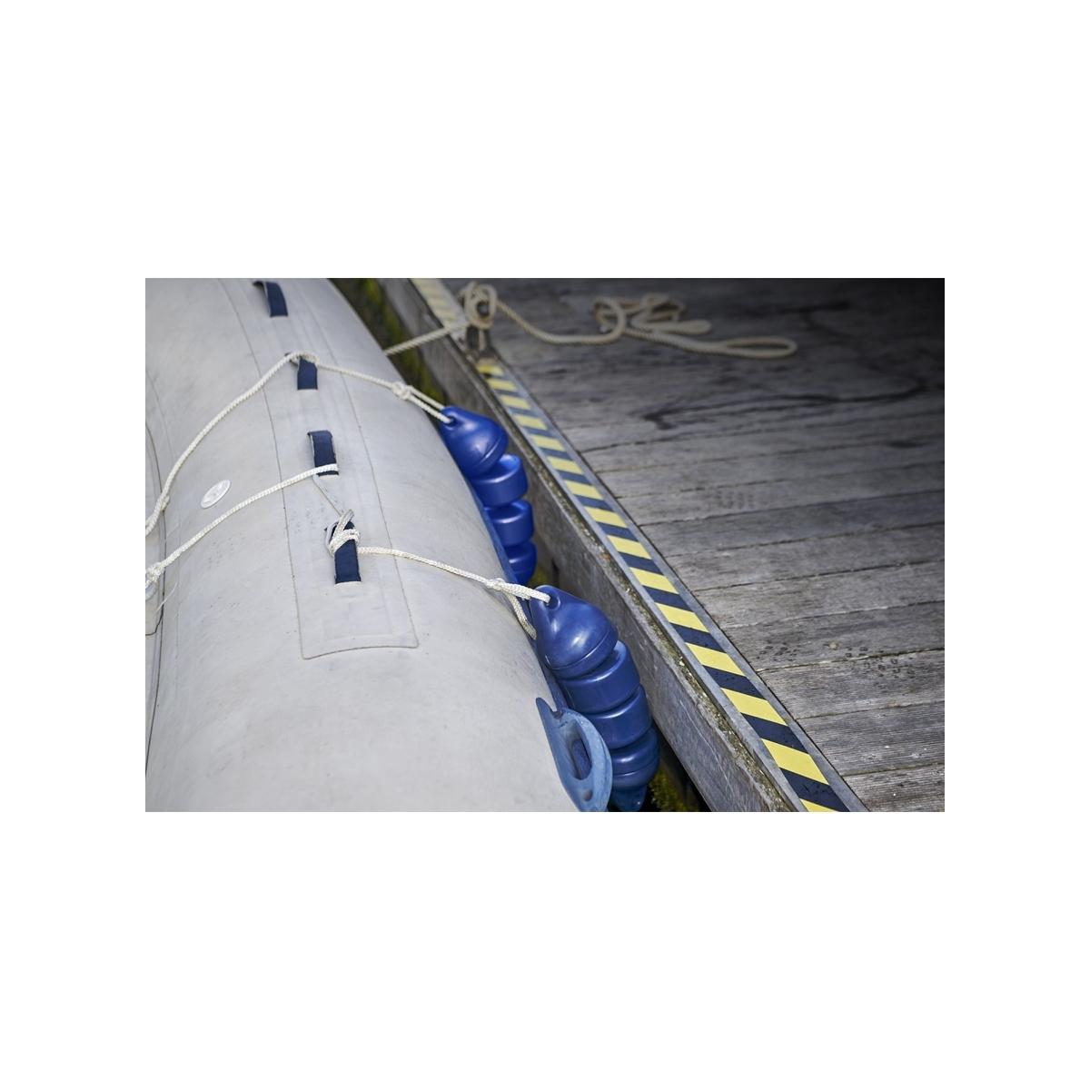 Articulated RIB fender