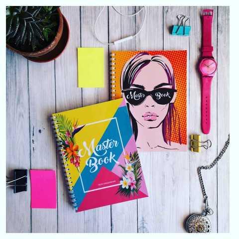 Ежедневник-планер для мастера #8 (девушка на оранжевом фоне)