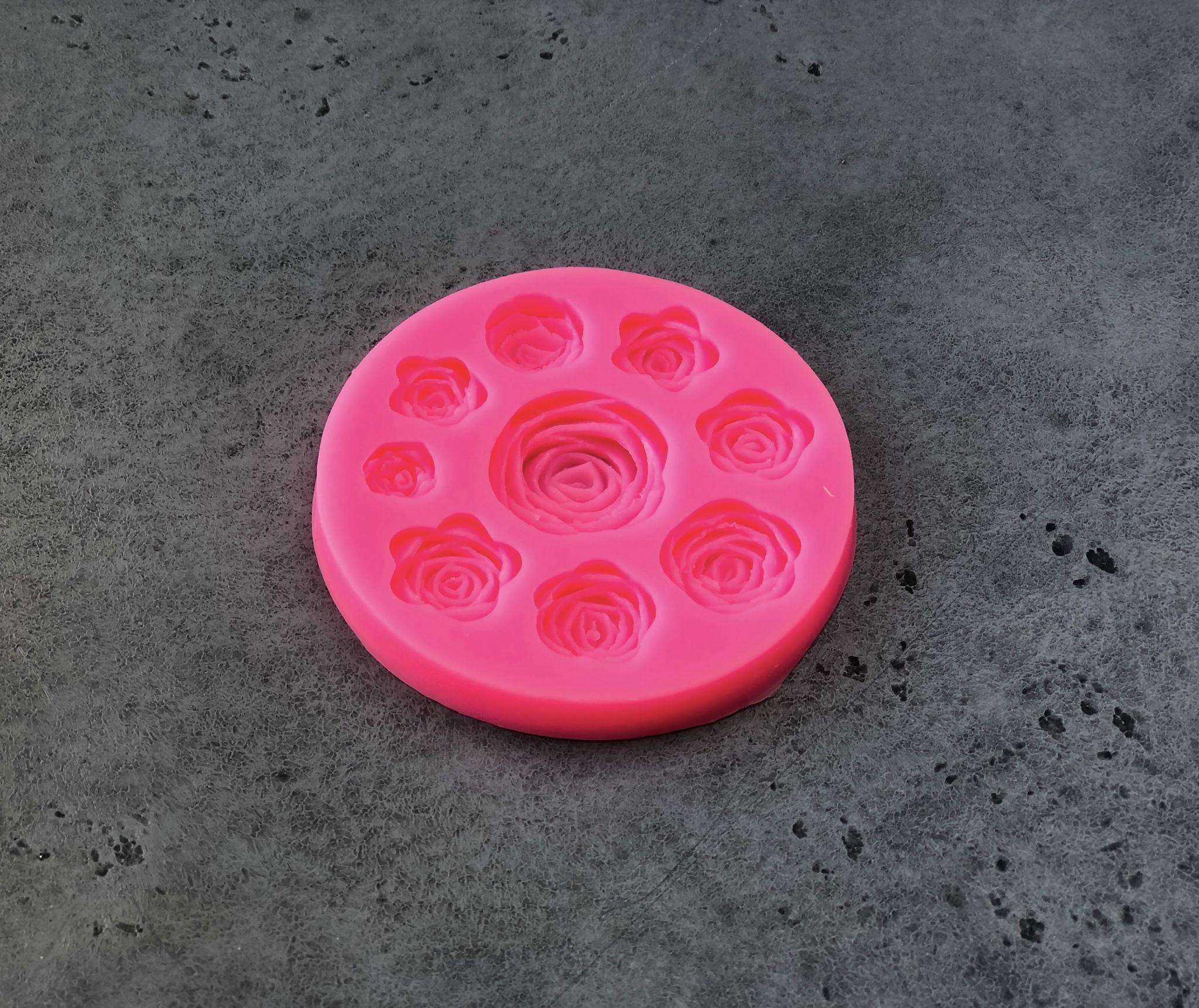 Силиконовая форма «Круговорот роз», 9,5 см