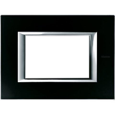 Рамка 1 пост, прямоугольная форма. СТЕКЛО. Цвет Чёрное стекло. Итальянский стандарт, 3 модуля. Bticino AXOLUTE. HA4803VNN