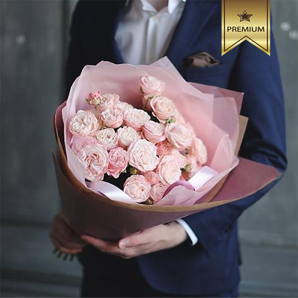 Заказать бизнес-букет пионовидных роз в Перми доставка цветов