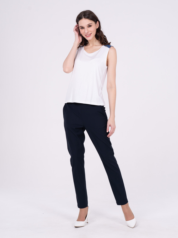 Топ Е434-291 - Легкий трикотажный топ. На плечах вставки из джинсовой ткани. Идеально сочетается с джинсой.