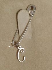 Брошь- булавка из серебра с буквой С