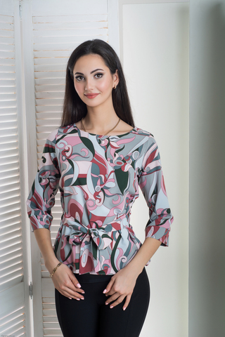 Павла. Блуза больших размеров с поясом. Принт абстракция
